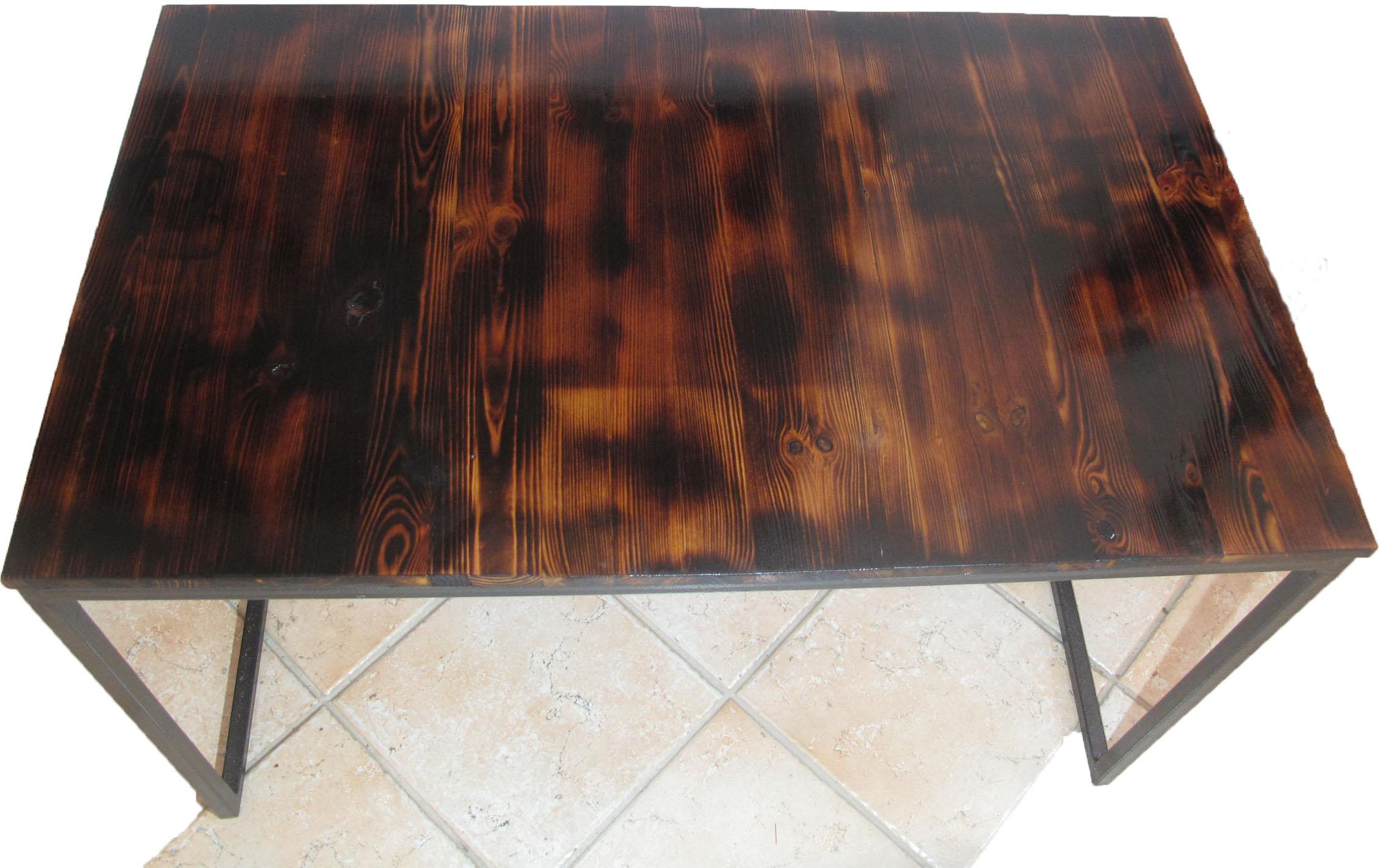 table pin massif pied acier noir martelé
